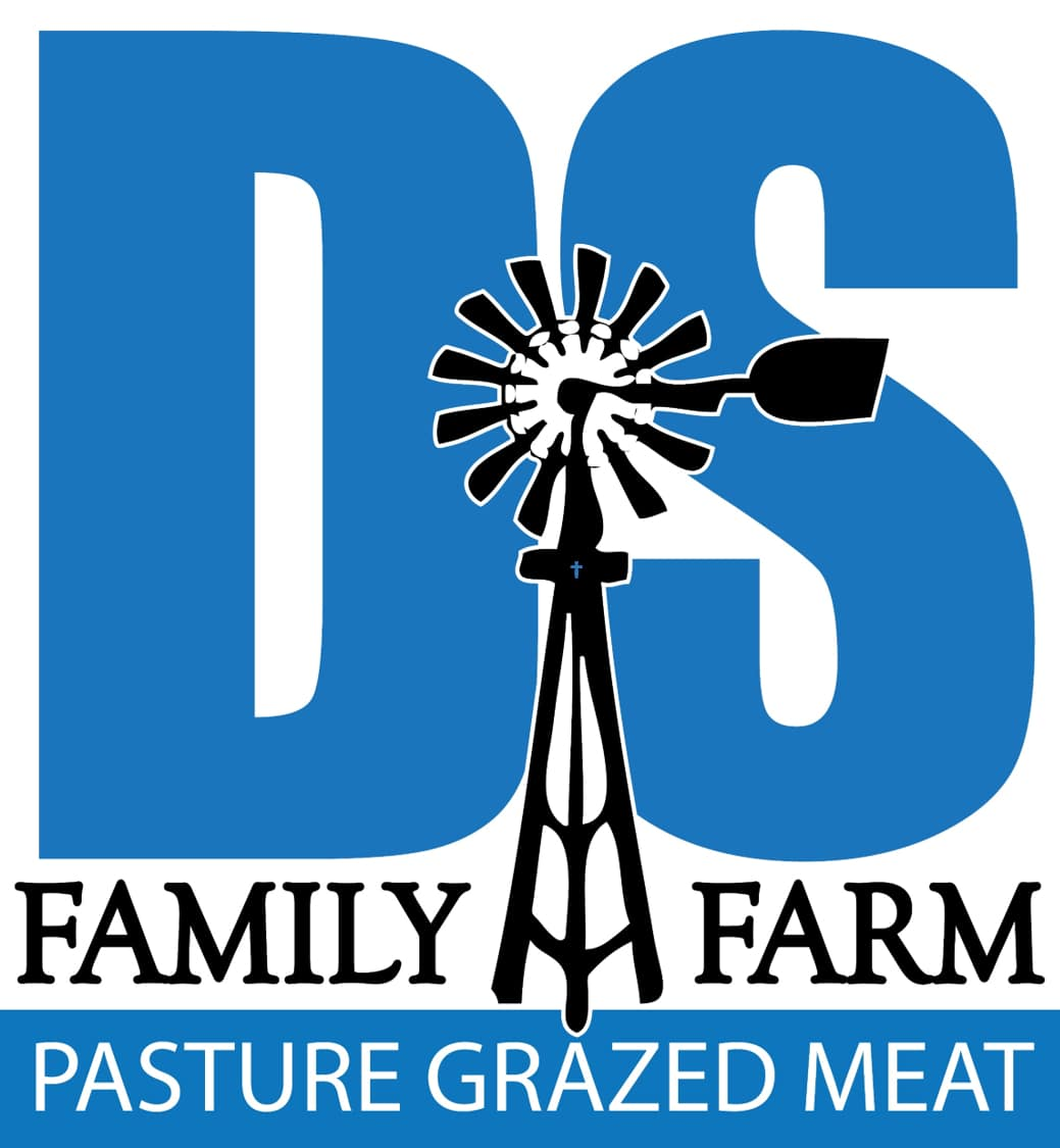 DS Family Farm Logo